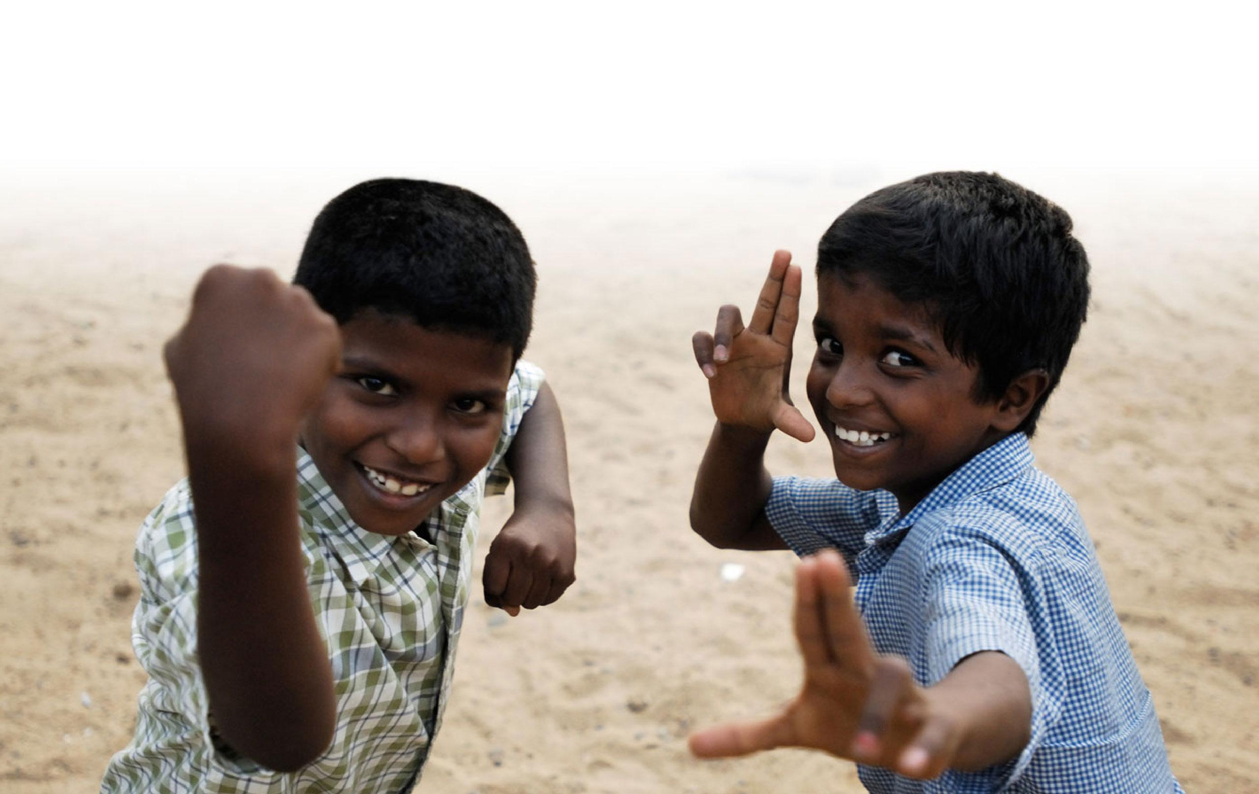 Enfants indiens qui s'amusent
